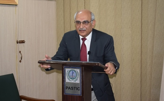 Professor Dr. Anwar-Ul-Hussan Gilani delivering talk on �How Fasting can improve health and promote wellness� on 3rd may 2018 at PASTIC national Centre Islamabad